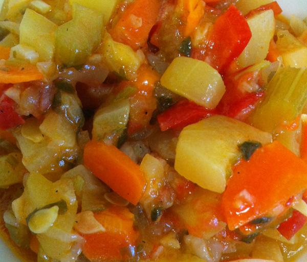 Кабачки, тушеные с болгарским перцем, без масла
