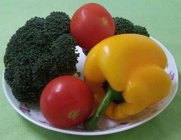 Брокколи, болгарский перец ,помидоры
