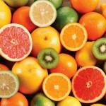 Десерт: киви, грейпфрут, мандарины.