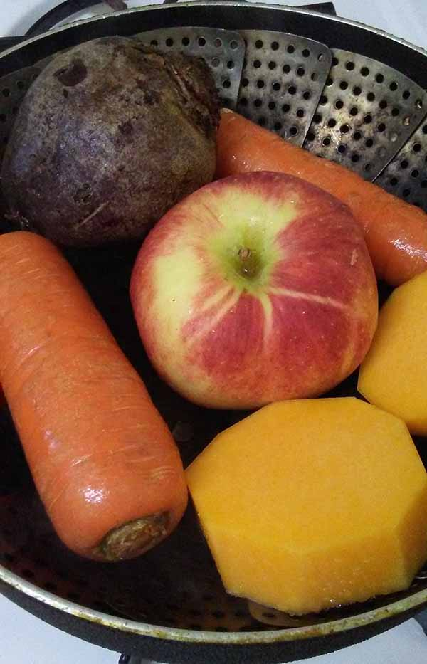 яблоки, морковь, тыква, свекла на пару