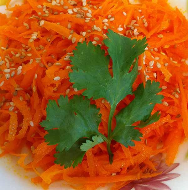 салат из моркови с кунжу