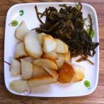 картофель жареный с морской капустой