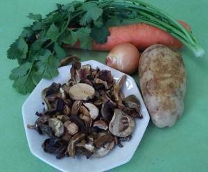 грибы,лук,морковь,картофел
