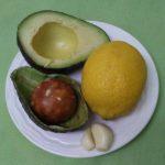 Авокадо, чеснок, лимон