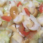 Салат из грибов с болгарским перцем и сельдереем