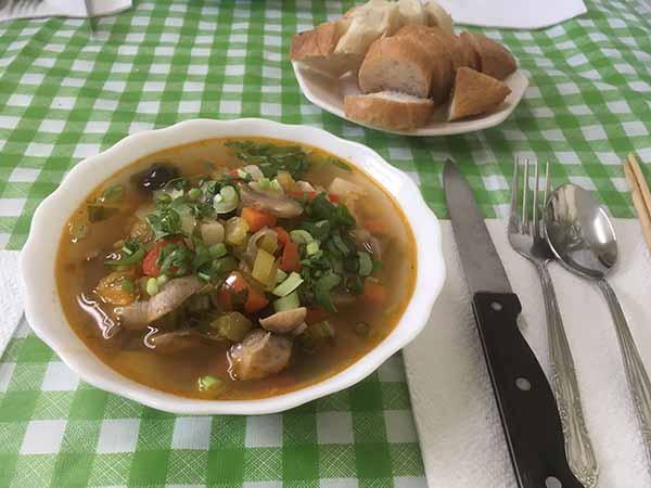 Постный грибной суп-солянка.