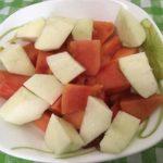 Десерт: Яблоки, папайя, орехи.