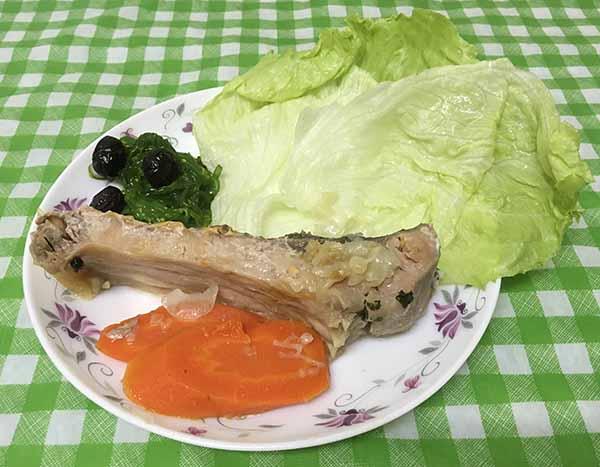 Белый карп в овощной шубке