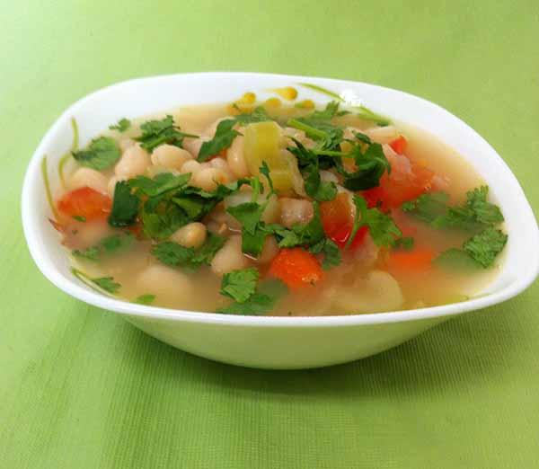 Суп овощной с белой фасолью