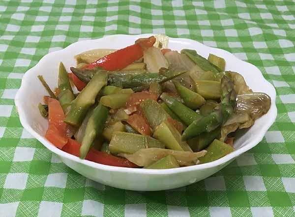 Спаржа (аспарагус) с пекинской капустой