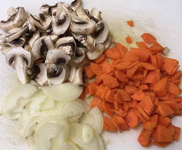 Лук, морковь, шампиньоны