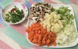 Морковь, карофель, сельдерей, лук, грибы