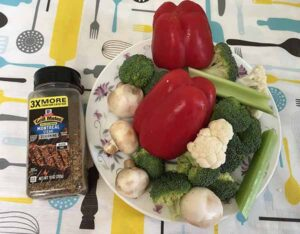 Болгарский перец, цветная капуста, брокколи, сельдерей, грибы и приправа для стейков