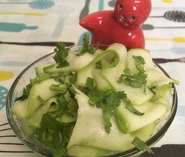 Трапеза: Салат из цуккини, кабачка