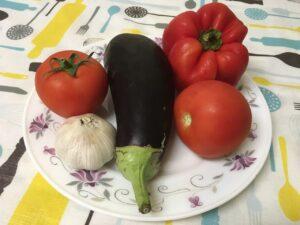 баклажаны, перец, помидоры, чеснок