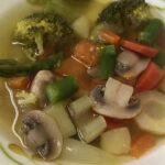 Постный суп без масла, с грибами, спаржей и брокколи