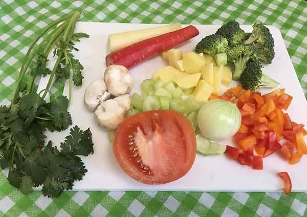 картофель, брокколи, морковь, лук, сельдерей